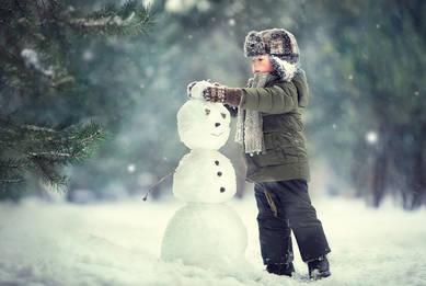 Я леплю снеговика